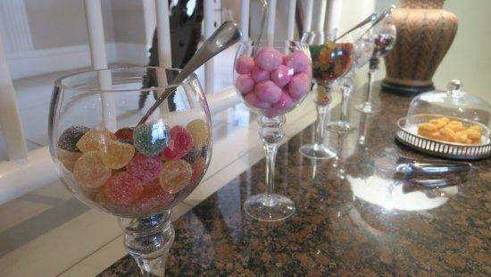 Amanzimtoti, Güney Afrika: Sweetie treats in reception