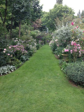 Vert Et Rose Picture Of Jardins D Angelique Montmain Tripadvisor