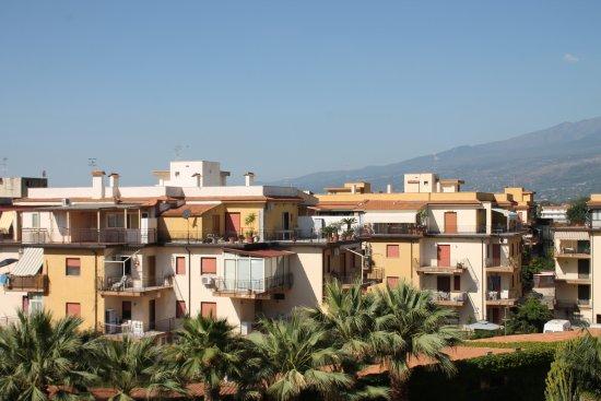 Hotel Caesar Palace: het zicht vanuit onze kamer (het begin van de Etna)