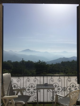 San Colombano Certenoli, Italien: Room with a beautiful view