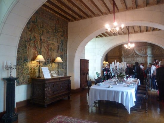 Centre, France: interiors with beautiful tapestries