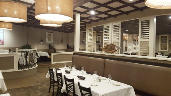 Marmora, NJ: dining area