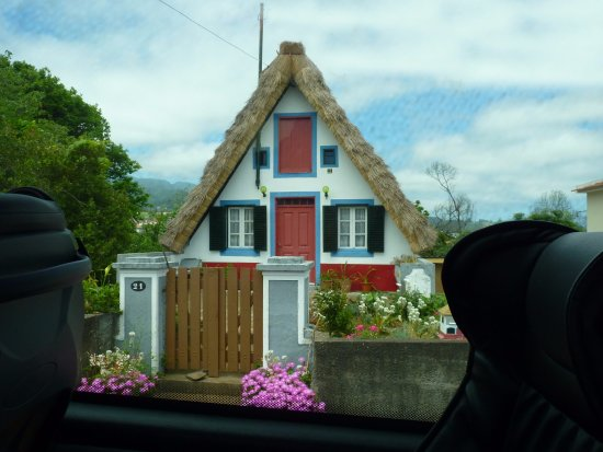 Madeira Happy Tours - Day Excursions: Traditional house
