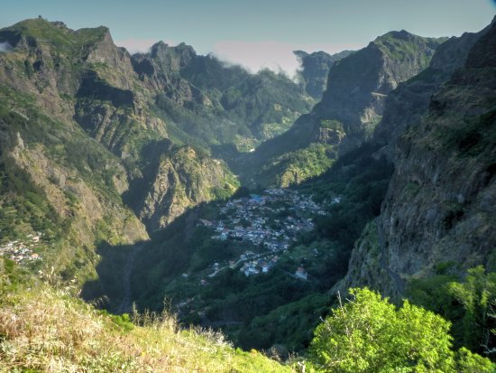 Madeira Happy Tours - Day Excursions: Nuns Valley