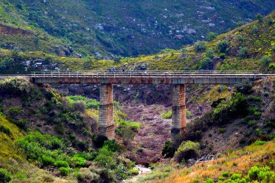 Bot River, Südafrika: Railway bridge, still in use.