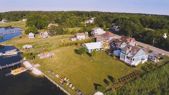 Rock Hall, Μέριλαντ: Aerial of outdoor wedding/event site