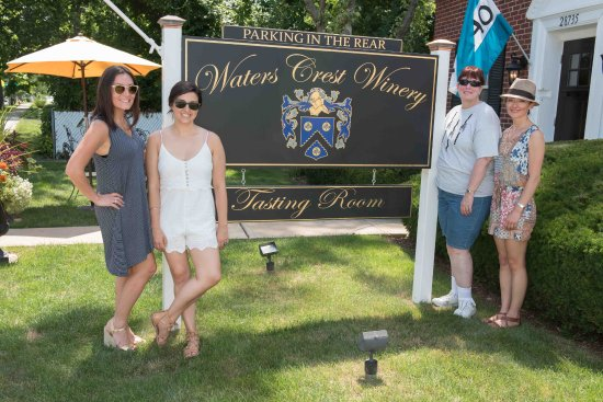 Cutchogue, État de New York : Welcome to Waters Crest