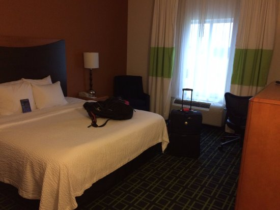 Fairfield Inn & Suites Muskogee: King room
