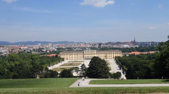 Schlosspark Schönbrunn: Ausbick von der Gloriette