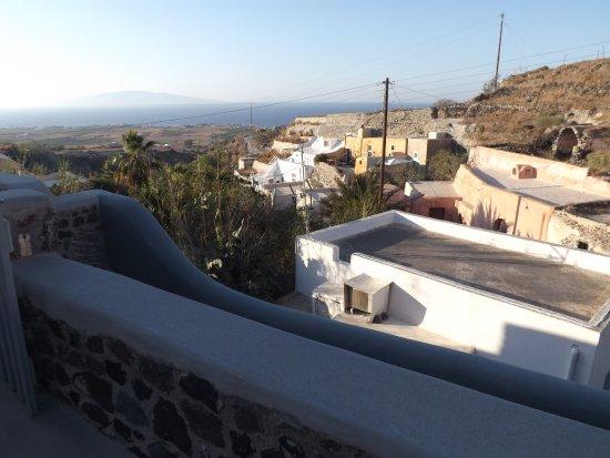 Ambelia Traditional Villas: au bout du balcon : vue de coté