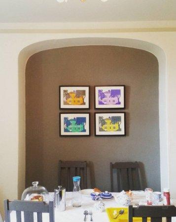 Bishops Castle, UK: Breakfast room, very spacious, loads of light, clean - great space.