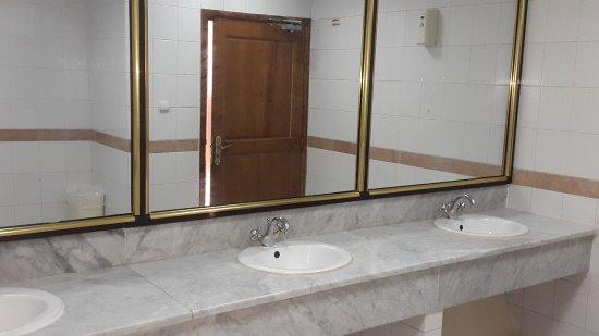 Safir Hotel Mazafran: Sanitaires hotel, proprete !