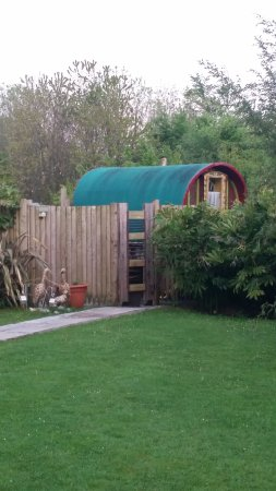 Saint Ewe, UK: Beautifully Restored Caravan In Hideaway Garden