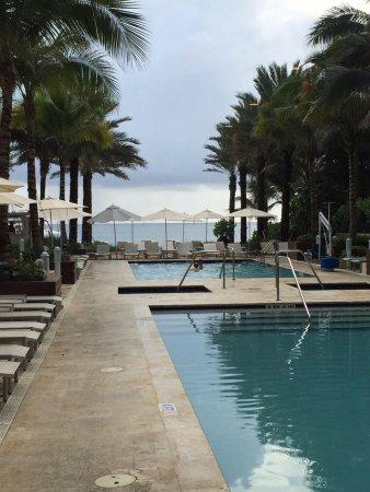 Серфсайд, Флорида: The main pool area.