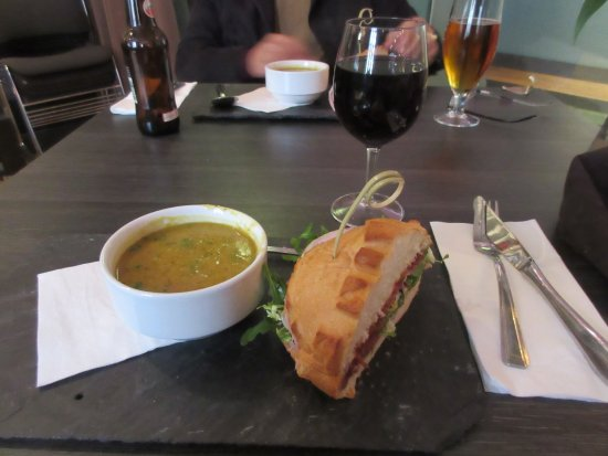Cafe Hub: Here is my soup and sandwich, a wonderful lunch