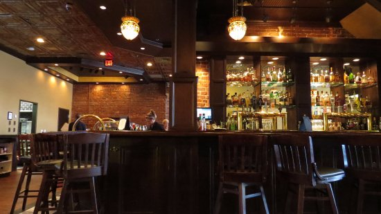 The Crown and Goose: The bar