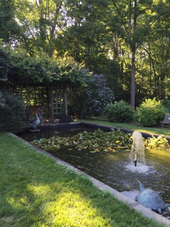 Chadds Ford, PA: Beautiful garden and very quaint colonial era section of an historic house where Revolutionary B
