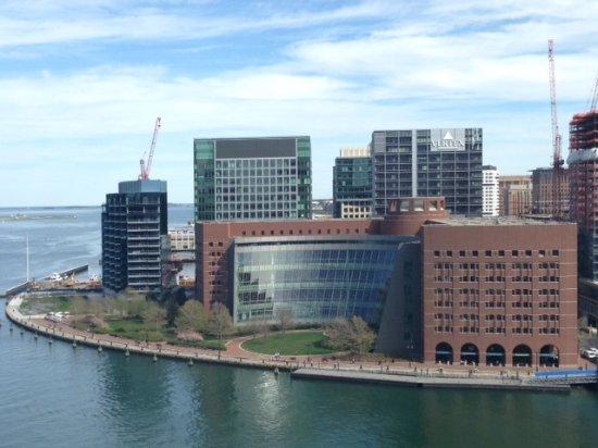 Potret Boston Harbor Hotel