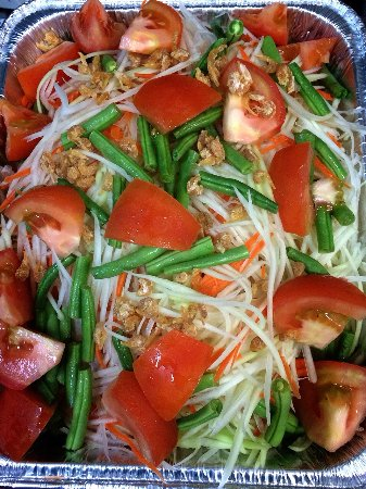 La Habra, Kalifornia: Papaya Salad Party Tray