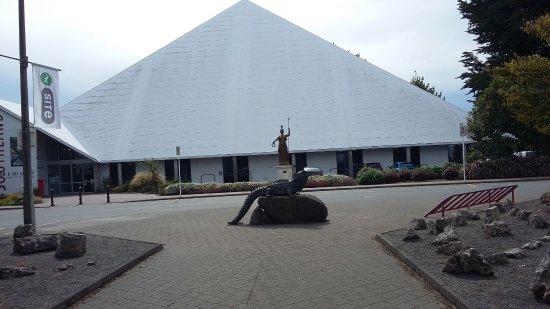 Invercargill, Nieuw-Zeeland: vue du museum en arrivant