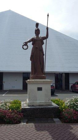 Invercargill, Nouvelle-Zélande : statue de Minerve