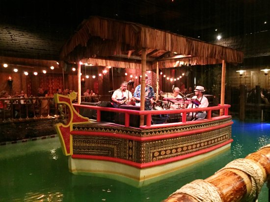 Music entertainment at 8 PM - Picture of Tonga Room, San Francisco ...