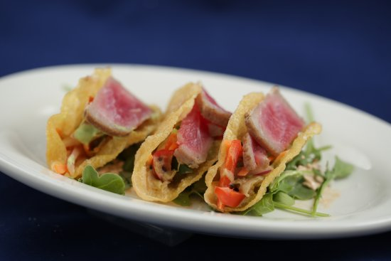 Blue Iguana: Ahi Tuna Tacos