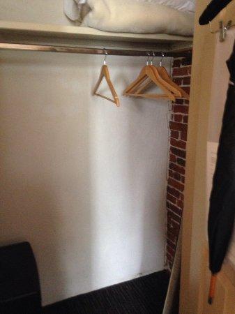Newburyport, Μασαχουσέτη: Good size closet