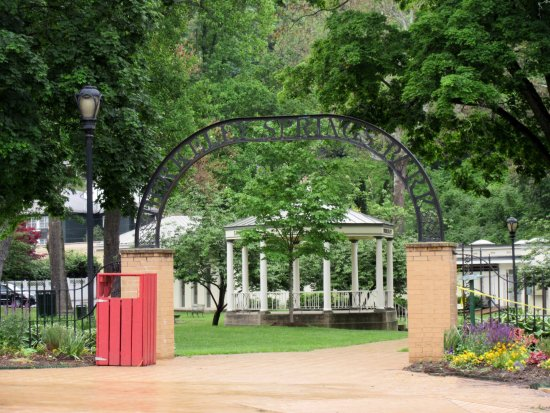 Berkeley Springs, Virginia Occidental: Such a pretty park