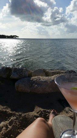 Tranquility Bay Beach House Resort: Snapchat-563234572425218397_large.jpg