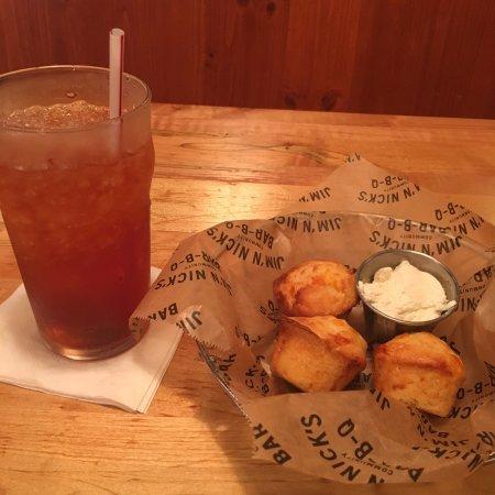 Jim N Nick's Bar-B-Q : Got my southern food fix!  Pulled chicken, Mac & cheese , and collard greens.  Great sweet tea!