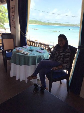 Buccoo, Tobago: Lunch with a sea view
