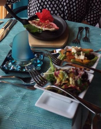 Buccoo, Tobago: A beautifully presented lunch of red snapper & vegetables