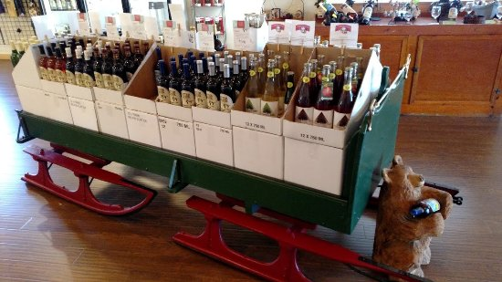 Philadelphia, NY: A wine sleigh!