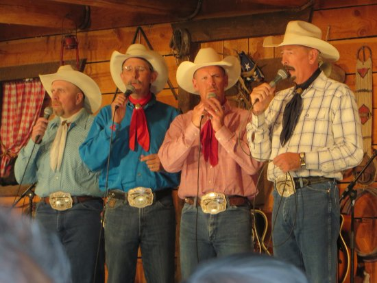 Bar J Chuckwagon Supper & Western Music Show: Great western singing and entertainment