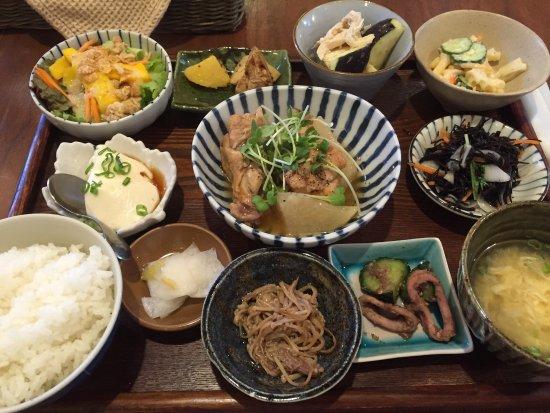 Kaizuka, Japón: 空カフェランチは季節毎に旬のお野菜が、味わえるボリュームかつヘルシーに頂けるランチです。