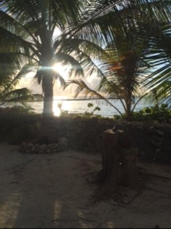 Small Hope Bay Lodge: Sunrise