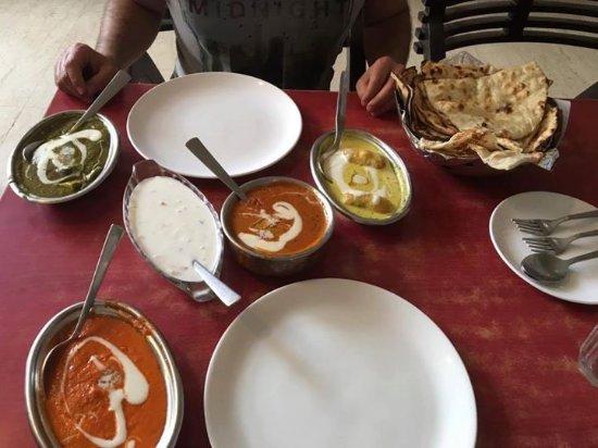 Malhotra Restaurant : Enjoy !