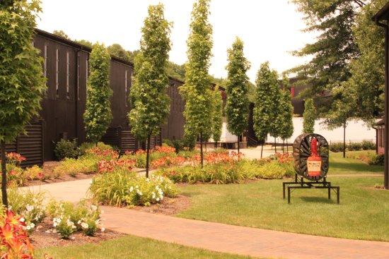 Loretto, Kentucky: gorgeous property
