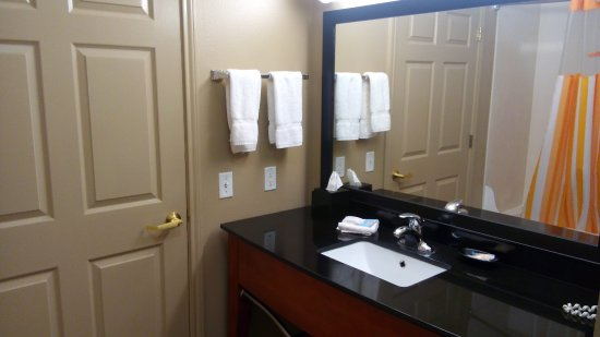 La Quinta Inn & Suites North Platte: Clean, roomy, and with enough amenities