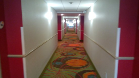 La Quinta Inn & Suites North Platte: The hotel hallway