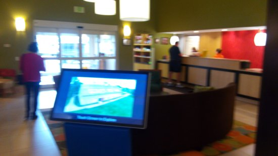 La Quinta Inn & Suites North Platte: The lobby