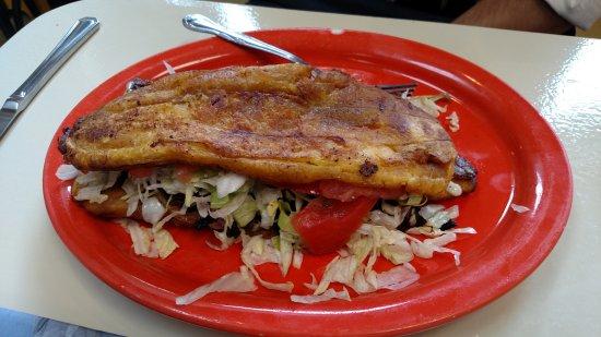 Momcorn: Jibarito al Pasteur (plantain sandwich with marinated pork)