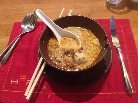 Heat, Edsa Shangri-la: Seafood Laksa dish