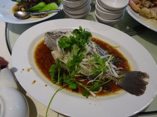 Burnaby, Kanada: Steamed fish with light soy sauce