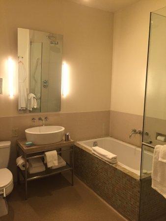 Chambers Hotel: photo1.jpg