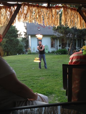 Dresden, OH: Our luau entertainment :)