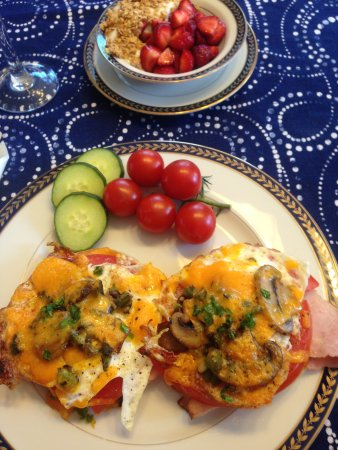 St. Catharines, Canadá: Delicious breakfast the the Simcoe Suites on the Henley
