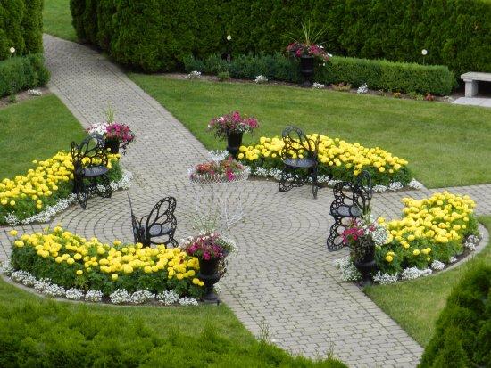 Castle Farms: butterfly garden