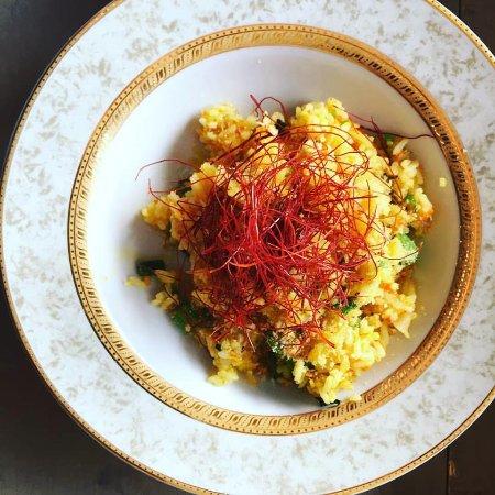 Thornbury, Canadá: arroz amarillo, chili thread, confit garlic